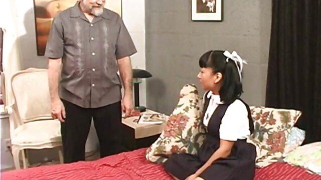 الی هیز با بکن بکن سکسی خارجی یک سوراخ خز و لباس زیر سیاه و سفید می دهد یک دختر یک کوک
