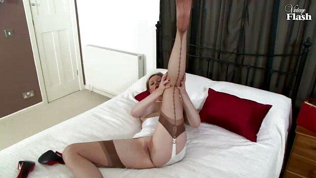 یک دختر جوان بر روی نیمکت با سرطان ایستاده بود فیلم های خارجی بکن بکن و با بهره گیری از رابطه جنسی با معشوق را