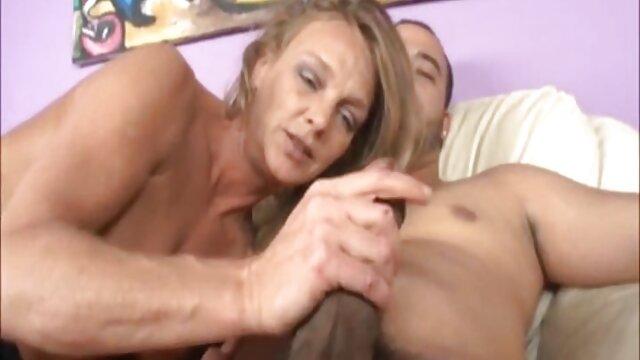 زن روسی برای 40 سال صبح پیچ یک همسایه جوان را مرطوب می کند فلم سکس بکن بکن و آن را با مقعد جایگزین می کند