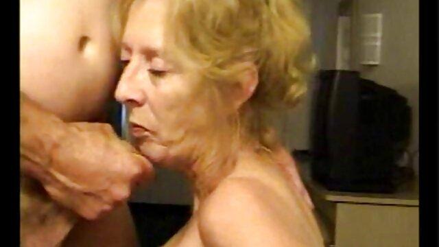 دختر آسیایی برهنه با گوش ناز می دانلودفیلم سوپربکن بکن دهد دختر, با لامپ بنفش