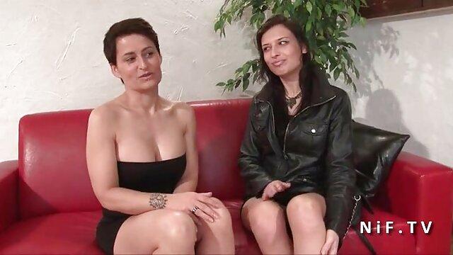 چاق, زن با موهای کوتاه, فیلم جدید بکن بکن آسانسور, از یک شریک نوجوان