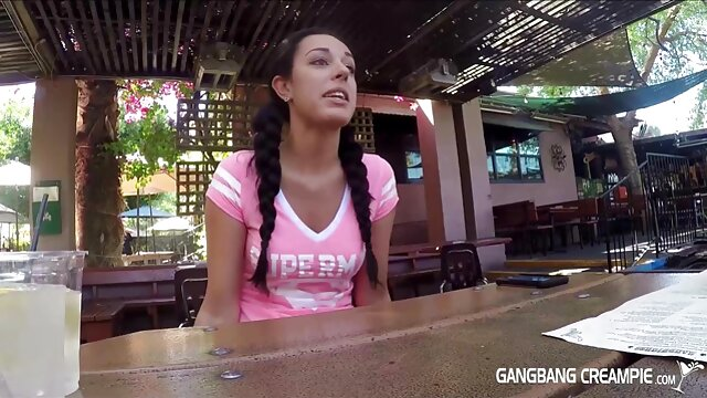 زن با نونوجوانان بزرگ گمراه عکاس به عنوان او به شمار سکس هندی بکن بکن