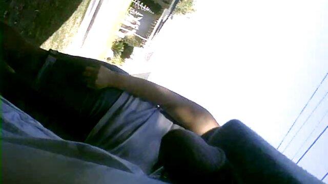 ملانیا نقره ای با موهای بلوند در یک دانلود فیلم بکنبکن لحظه با یک دوست