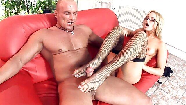 لاغر انگشت در مهبل (واژن) فیلم بکن بکن کوتاه و مقعد با dildo سالم در مقابل وب کم